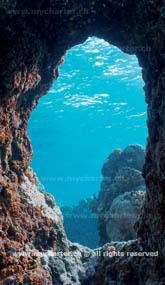 Crewed Charter Tahiti - Moorea Unterwasser-Grotte
